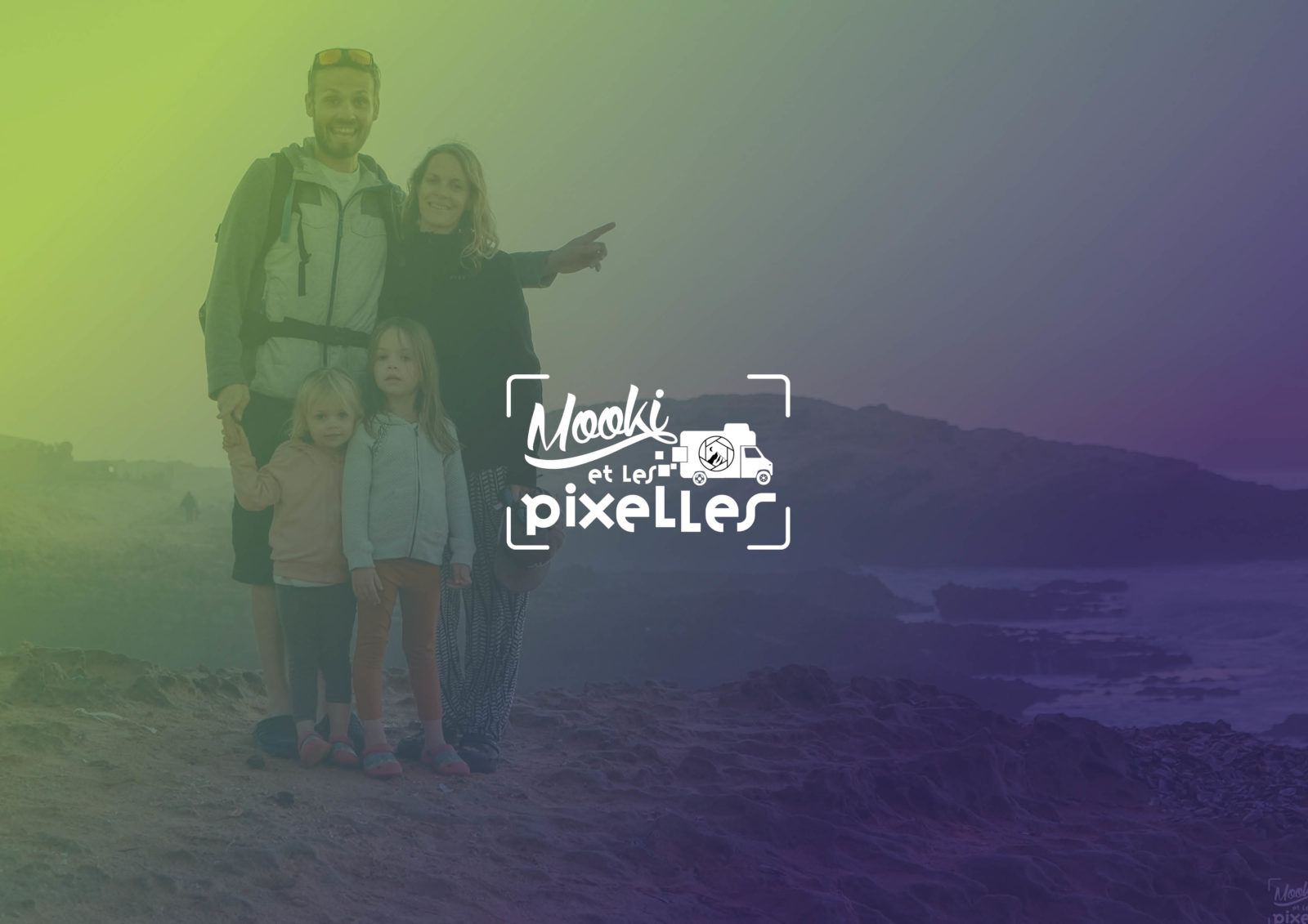 Création de logo pour un photographe de voyage | Mooki et les Pixelles