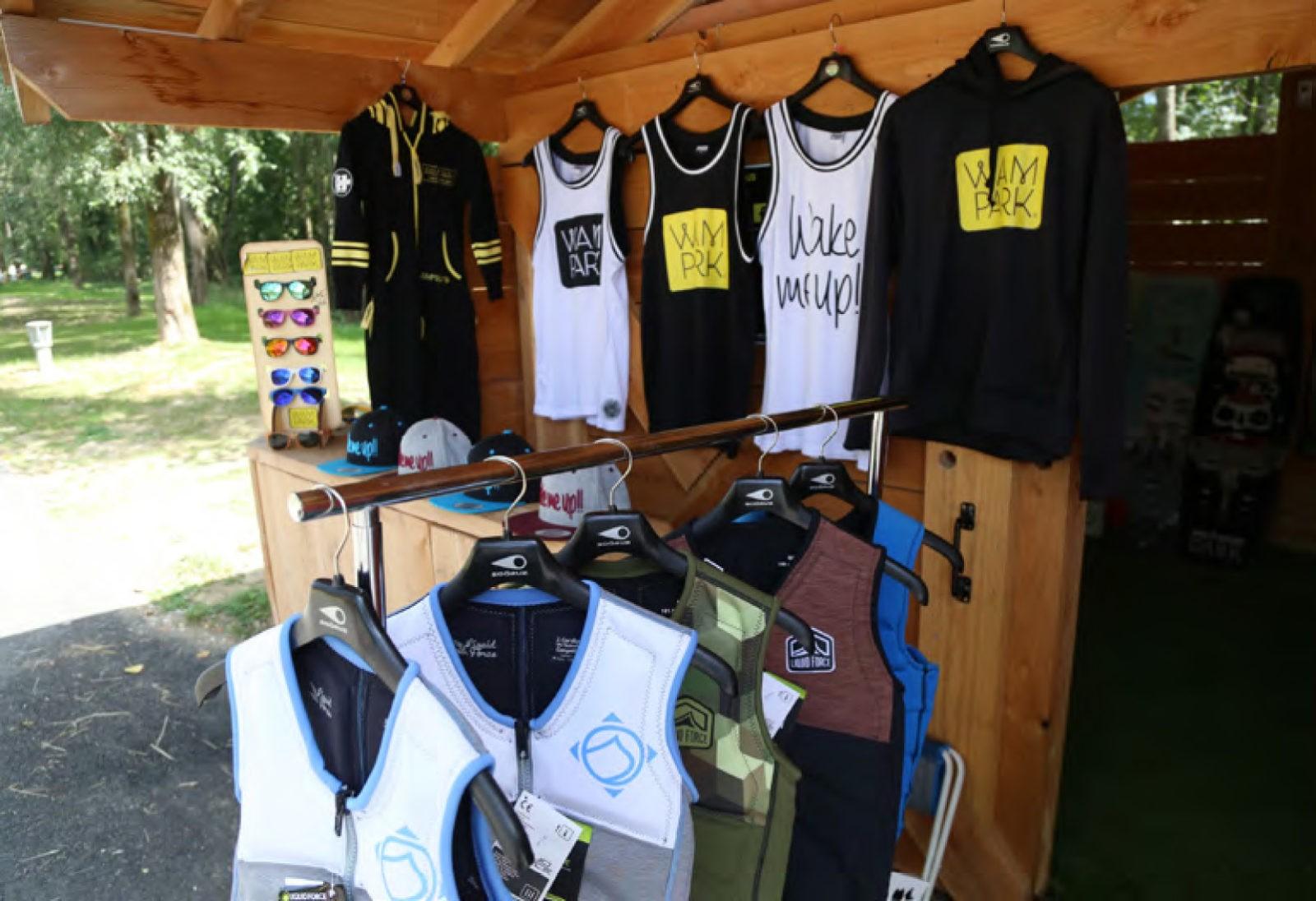 Création de textile teeshirt casquette sweatshirt pour la base de loisir WAM PARK Savoie