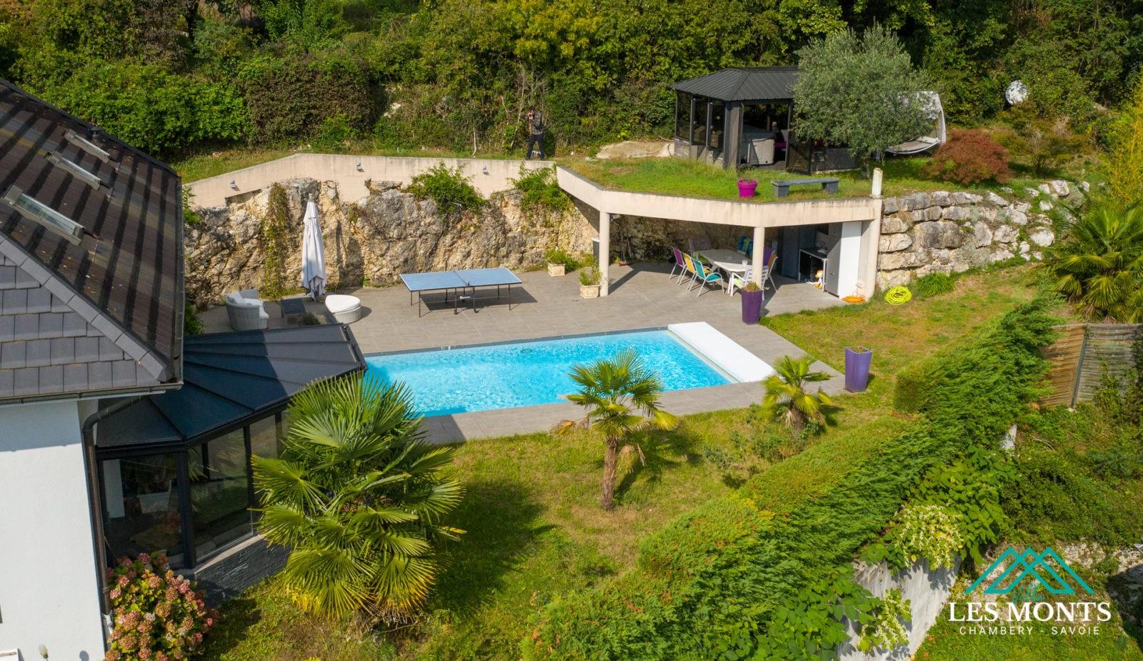 Prise de vue photo aérienne immobilière par drone - Chambéry Savoie
