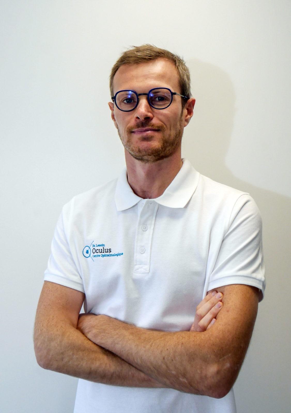portrait de médecin photo au Centre Oculus de Chambéry